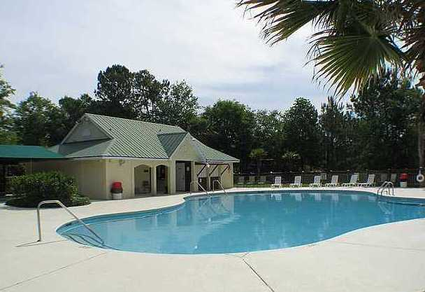 charleston national swimming pool